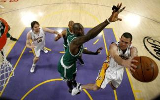 Boston-lakers